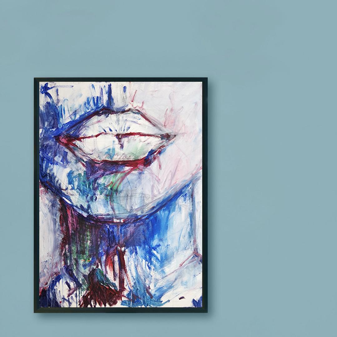 Obraz Akrylowy Milczenie 60 x 80 cm na niebieskiej ścianie